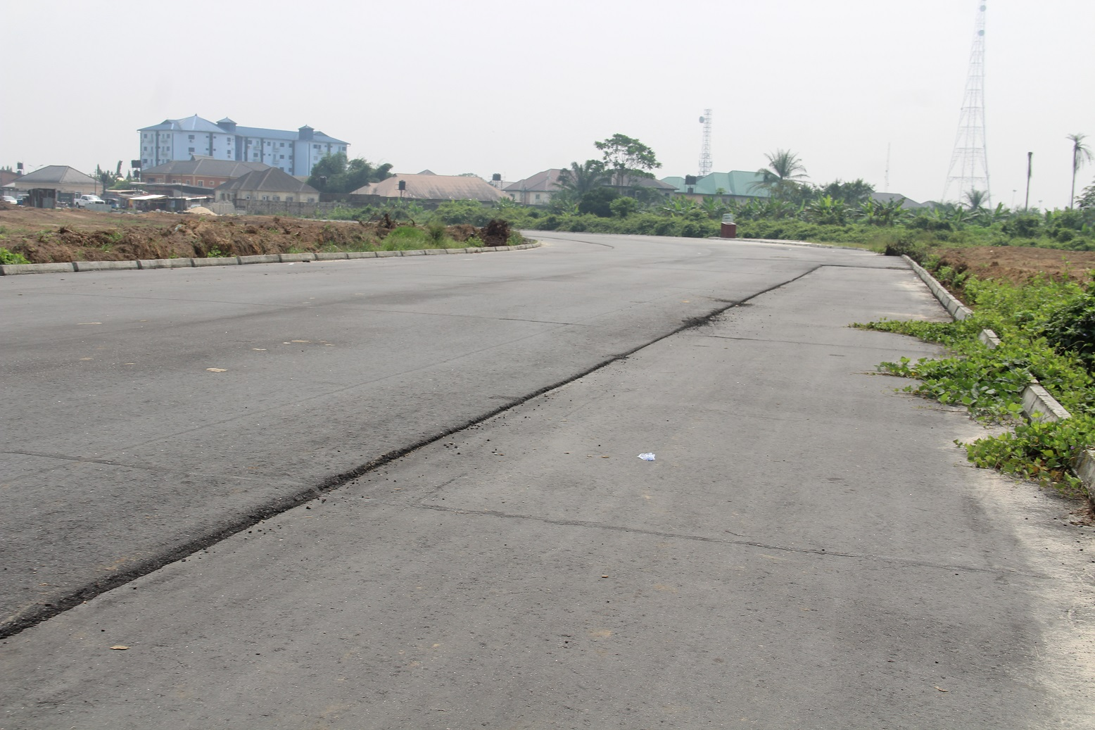 Access road from NPA expressway to Warri Refinery
